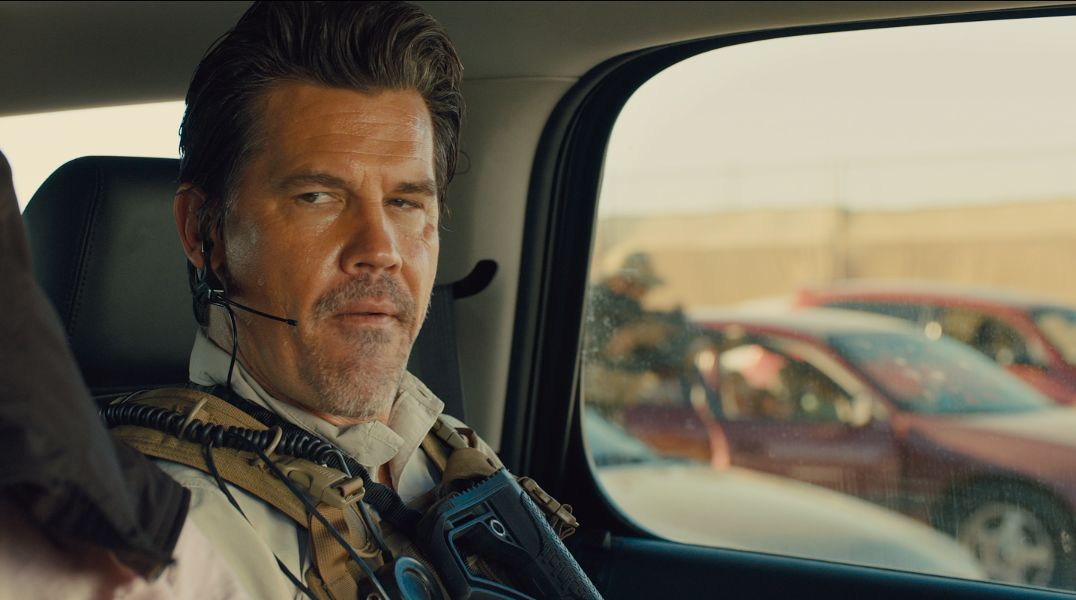 5-reasons-to-set-your-sights-on-sicario-josh-brolin-stars-in-sicario-463840
