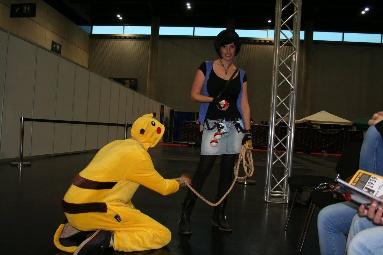 50 Shades of Grey war einmal - Jetzt sinds 50 Shades of Yellow und dieser Pikachu prangert sein Sklavendasein an!!!
